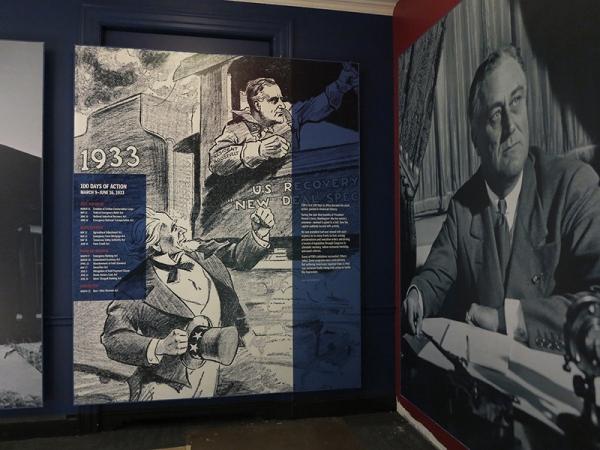 FDRL_install_murals